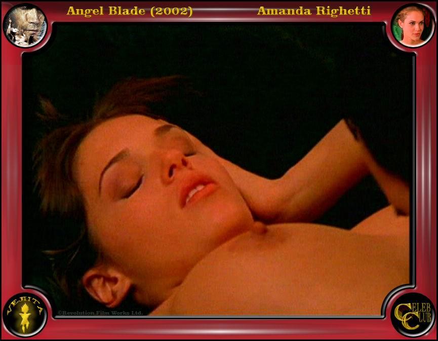 Amanda Righetti caliente