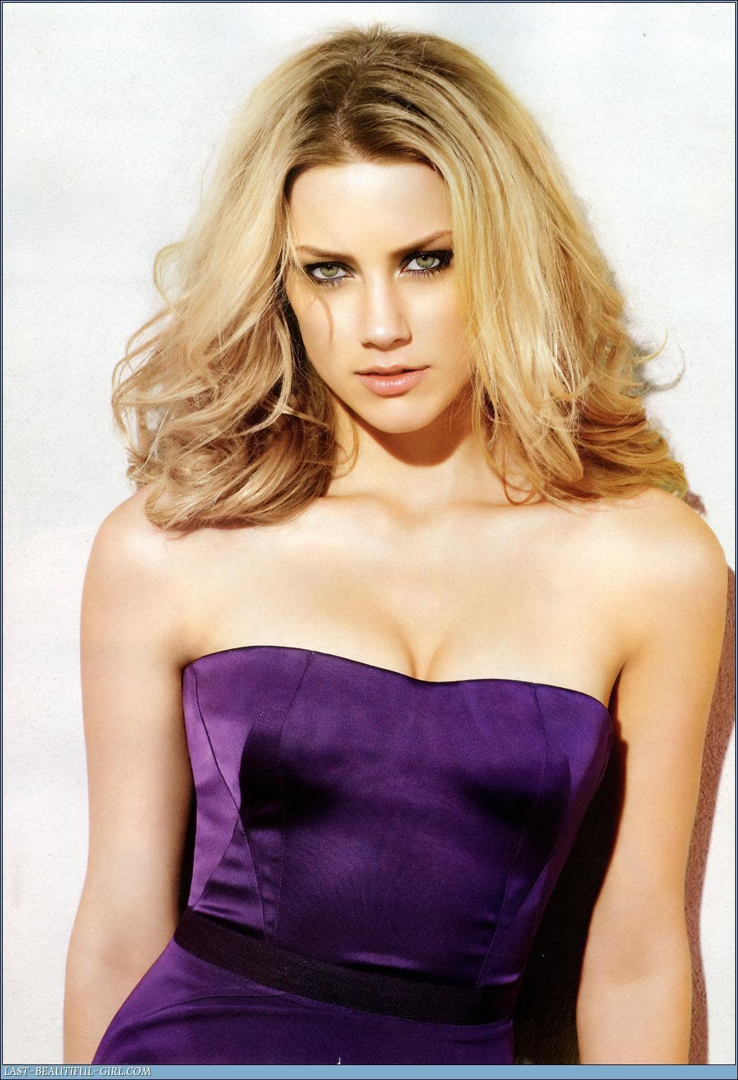 Amber Heard cogiendo