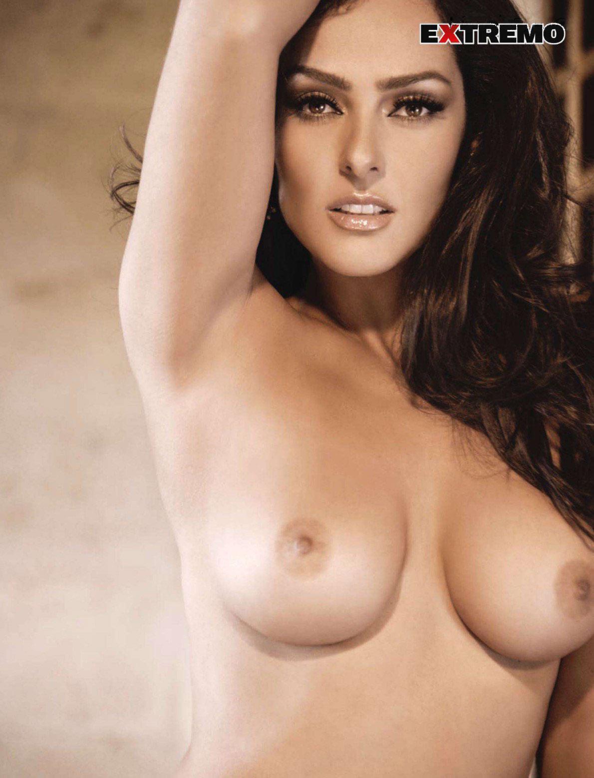 Andrea Garcia topless