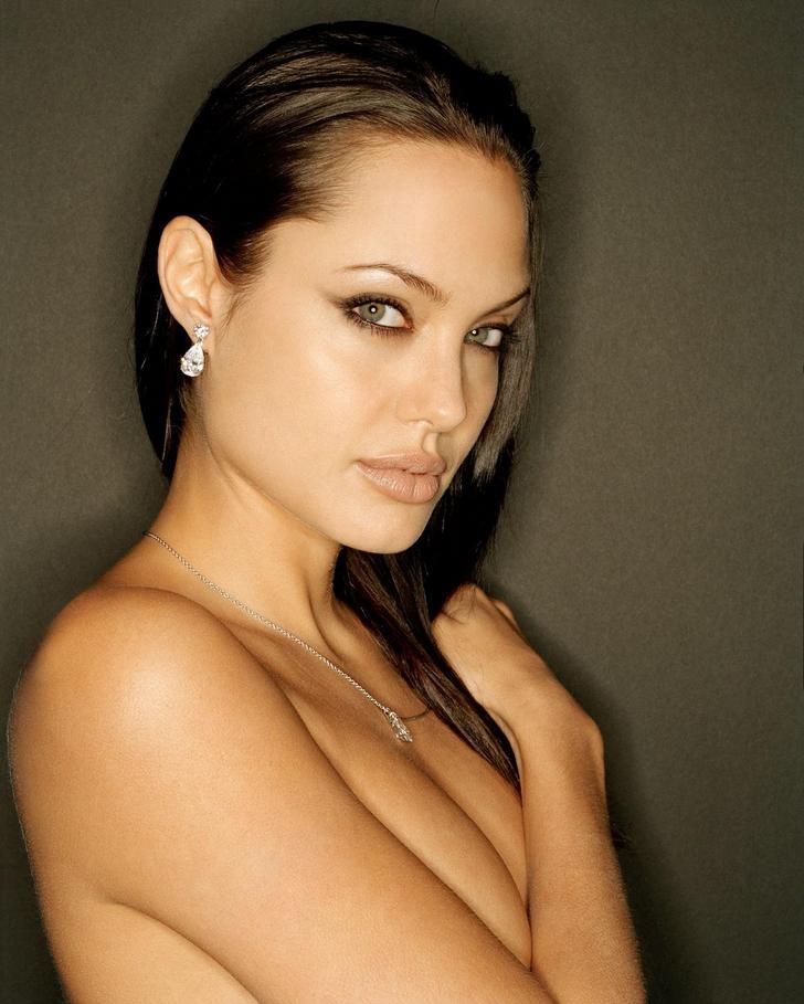Angelina Jolie culos
