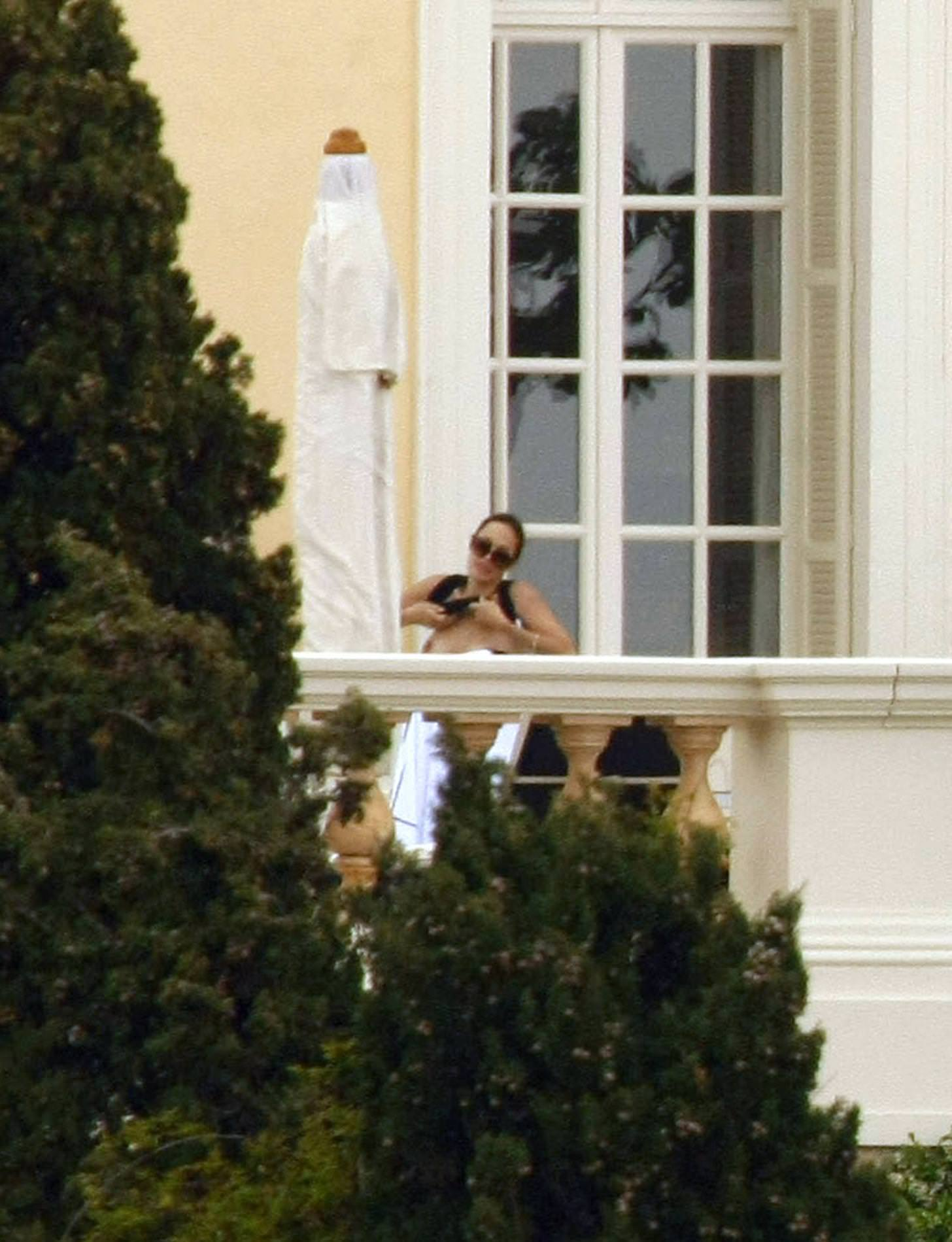 Angelina Jolie delante