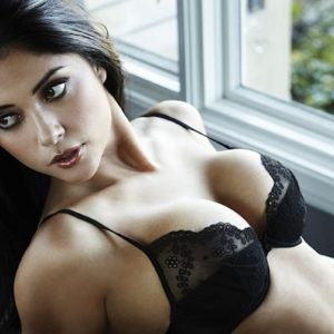 Las mejores fotos de Arianny Celeste desnuda + Vídeos!