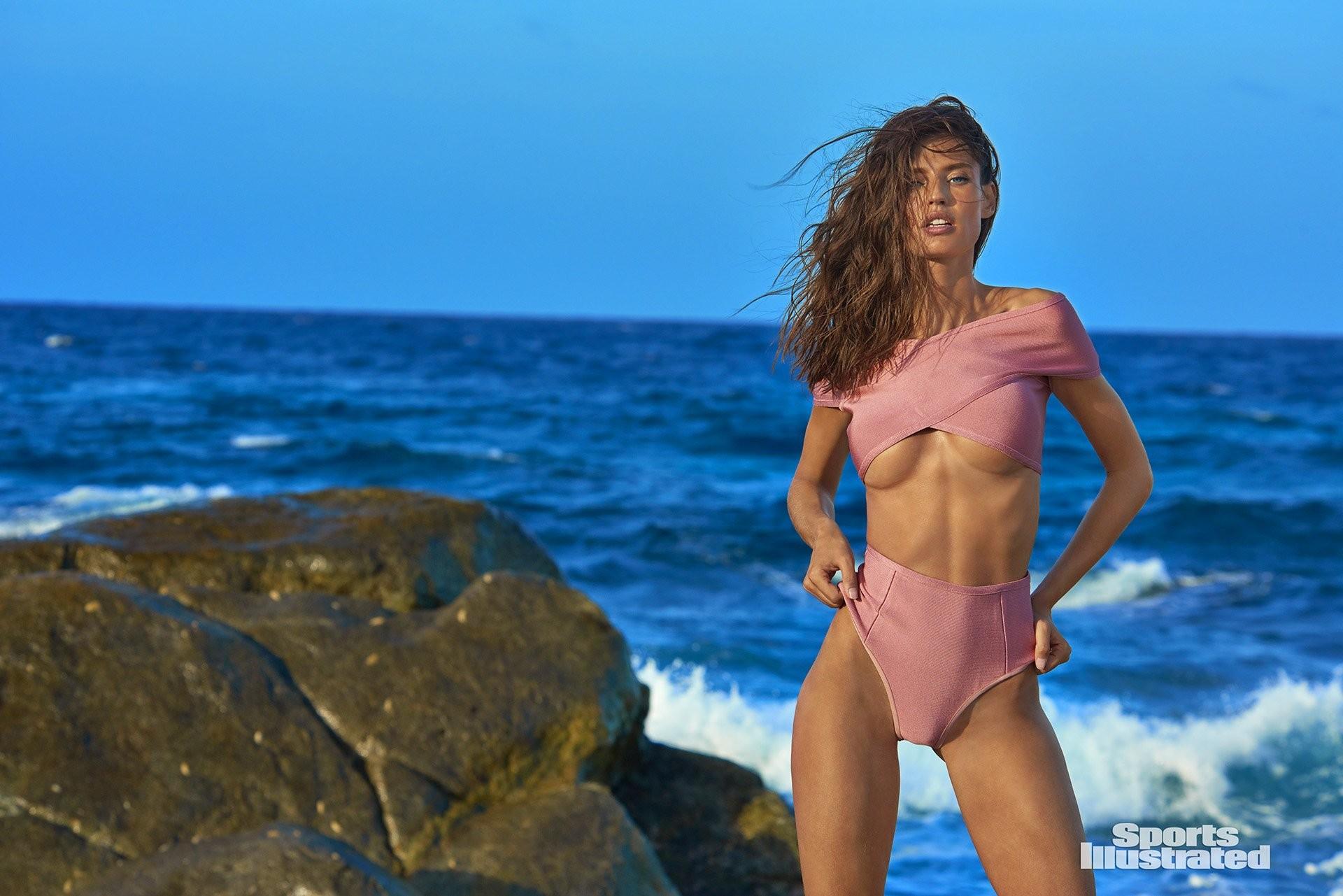 Bianca Balti anal