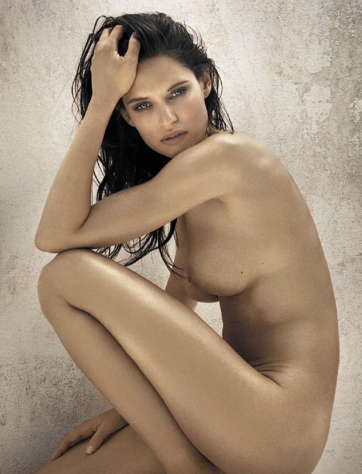 Bianca Balti desnuda follando