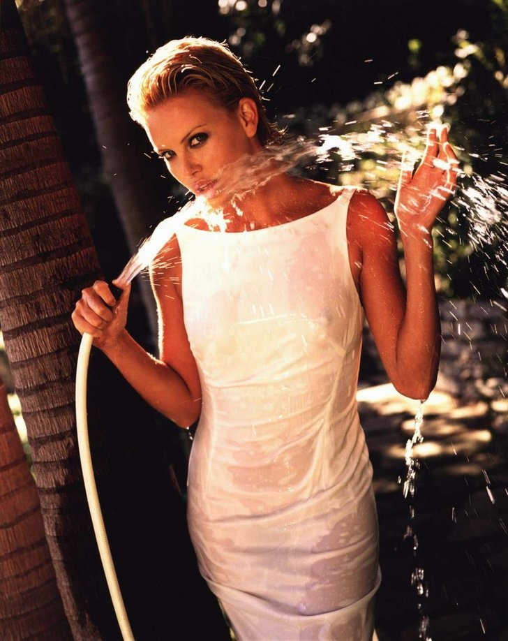 Charlize Theron culos