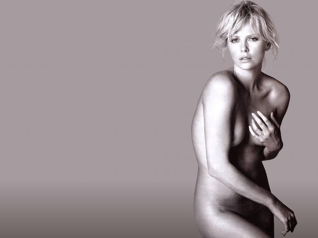 Charlize Theron desnudas