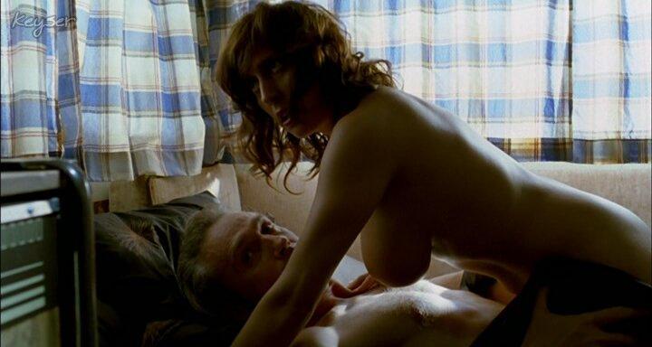 Clara Segura desnudas