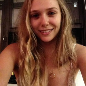 Elizabeth Olsen desnuda pack (1)