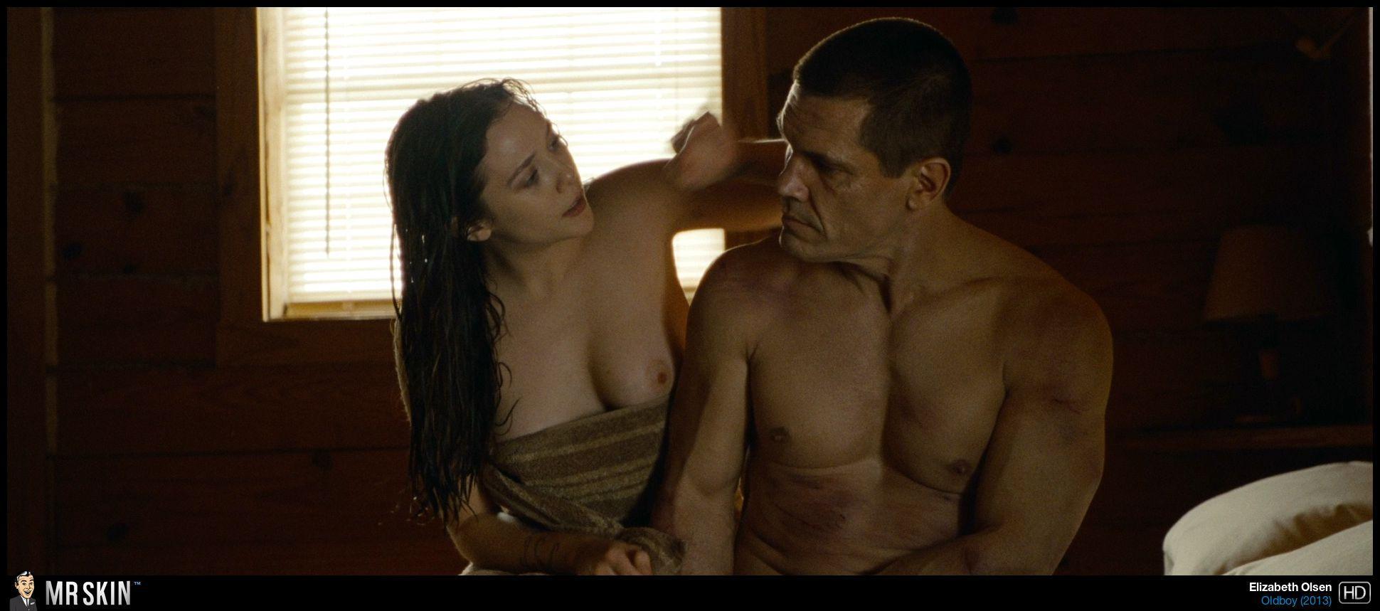 Elizabeth Olsen desnudo