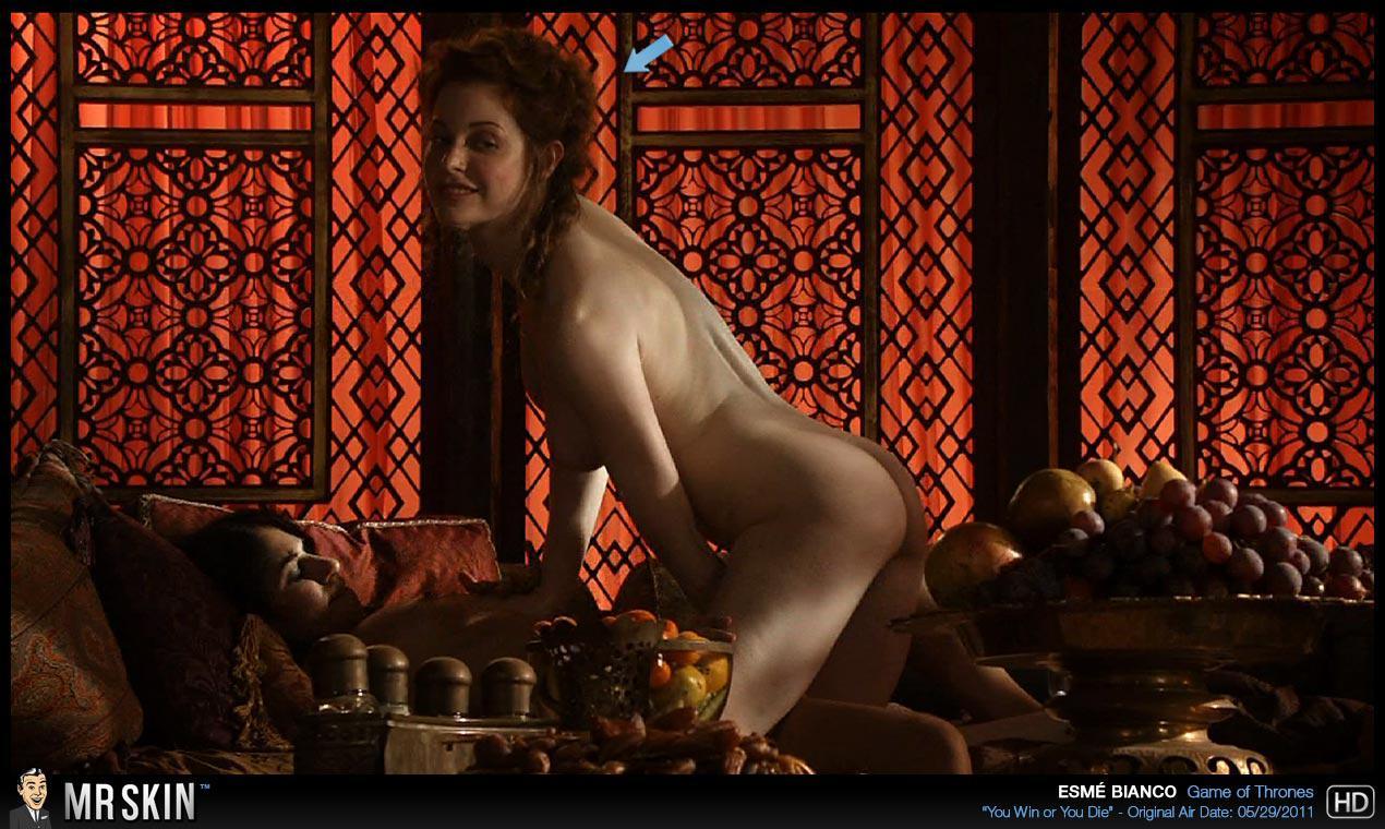Esme Bianco desnuda follando