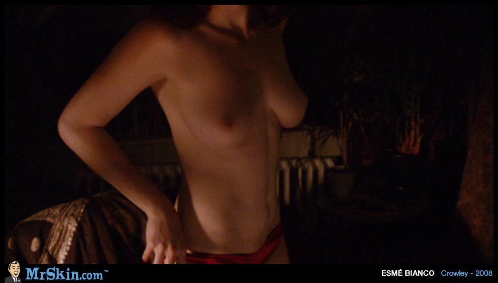Esme Bianco desnuda gratis