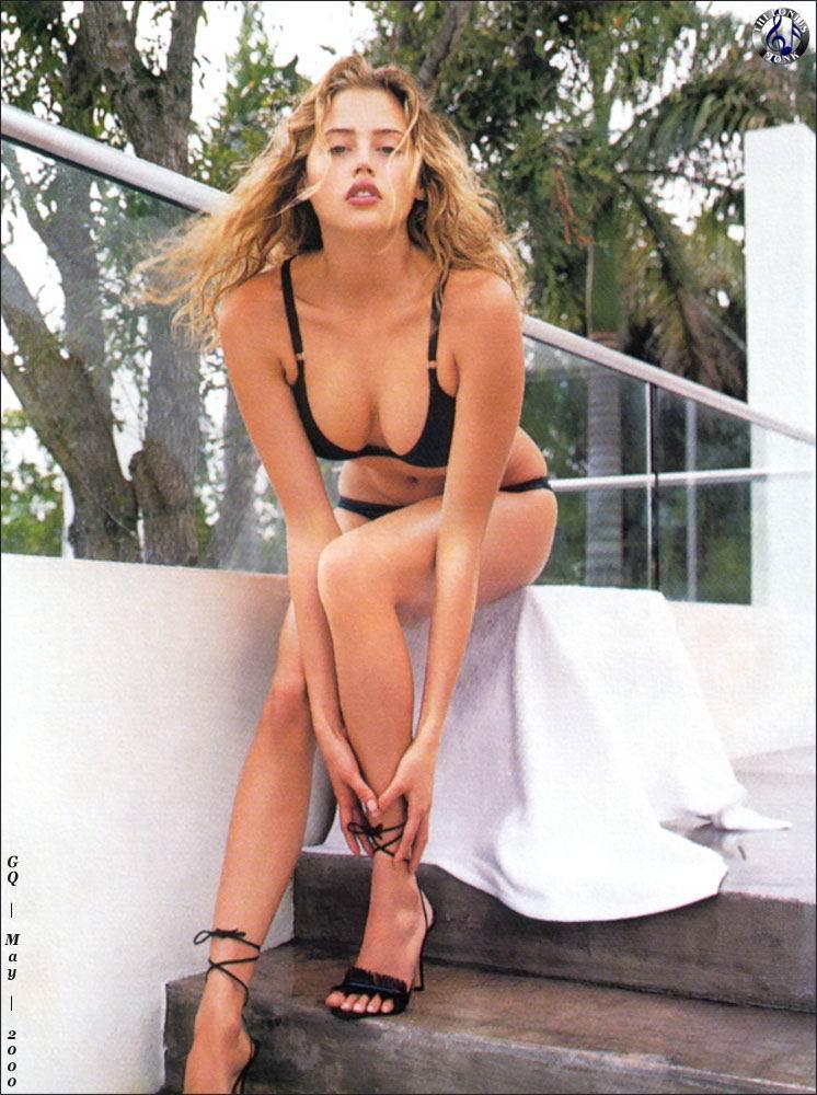 Estella Warren desnudo