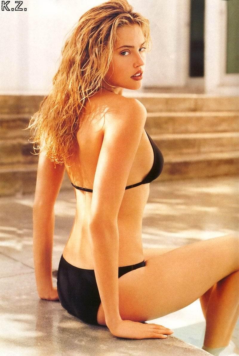 Estella Warren sexy
