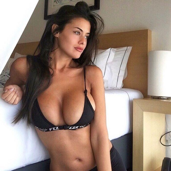 Eva Padlock belleza