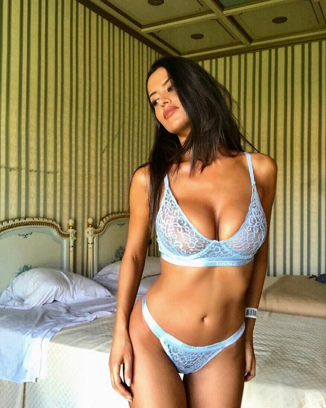 Eva Padlock desnuda 1