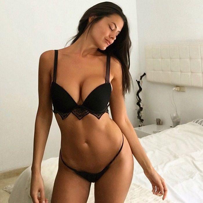Eva Padlock desnuda gratis