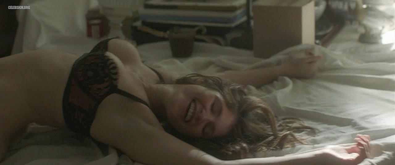 Gemma Arterton follada