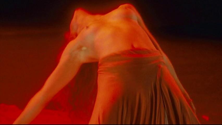Jessica Chastain cogiendo