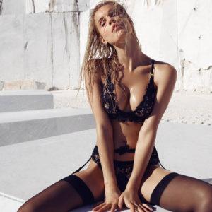 Nuevas Fotos Joy Corrigan Desnuda