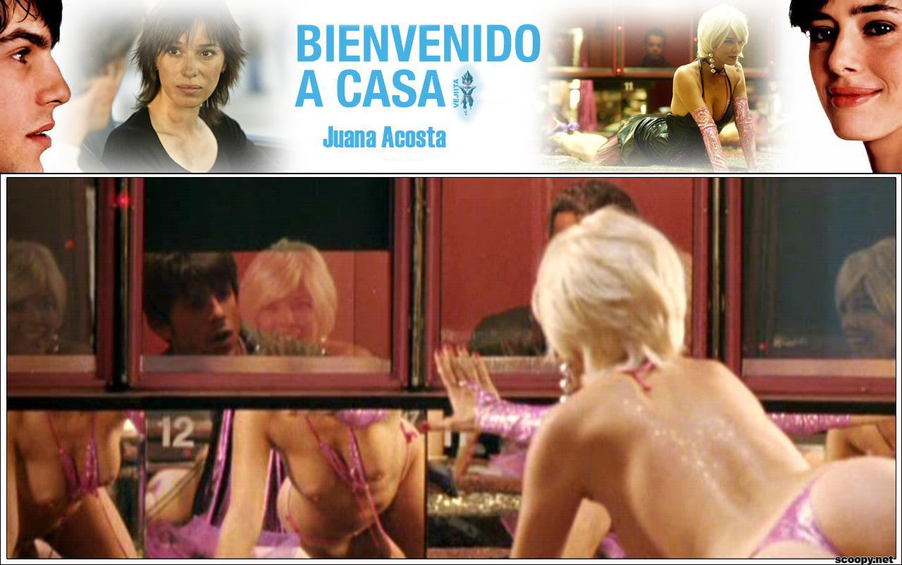 Juana Acosta mamando