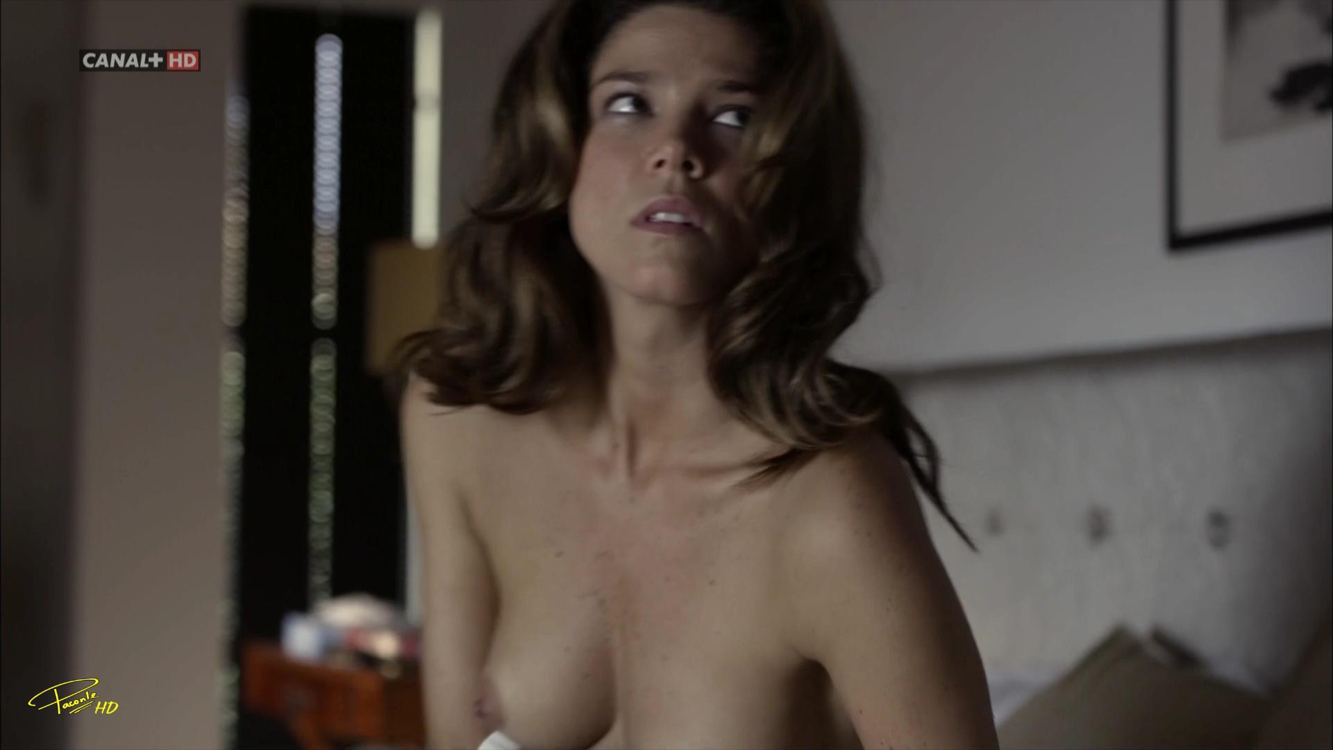 Juana Acosta sin ropa interior