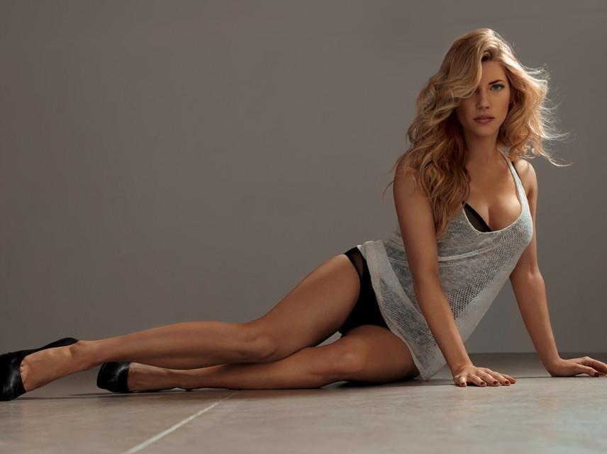 Katheryn Winnick pillada desnuda