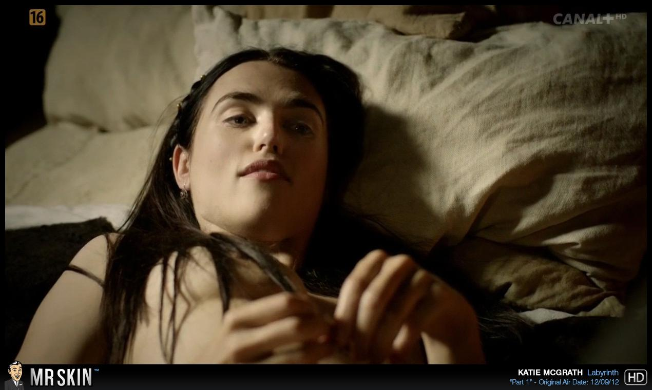 Katie McGrath mamadas