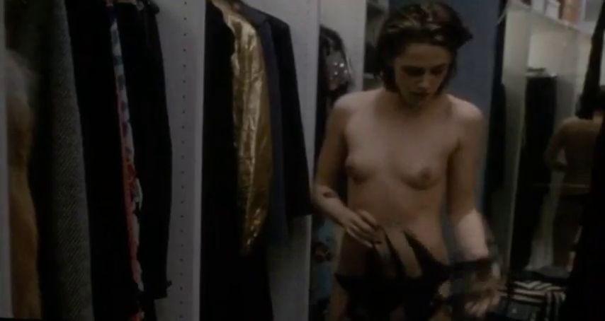 Kristen Stewart totalmente desnuda 1
