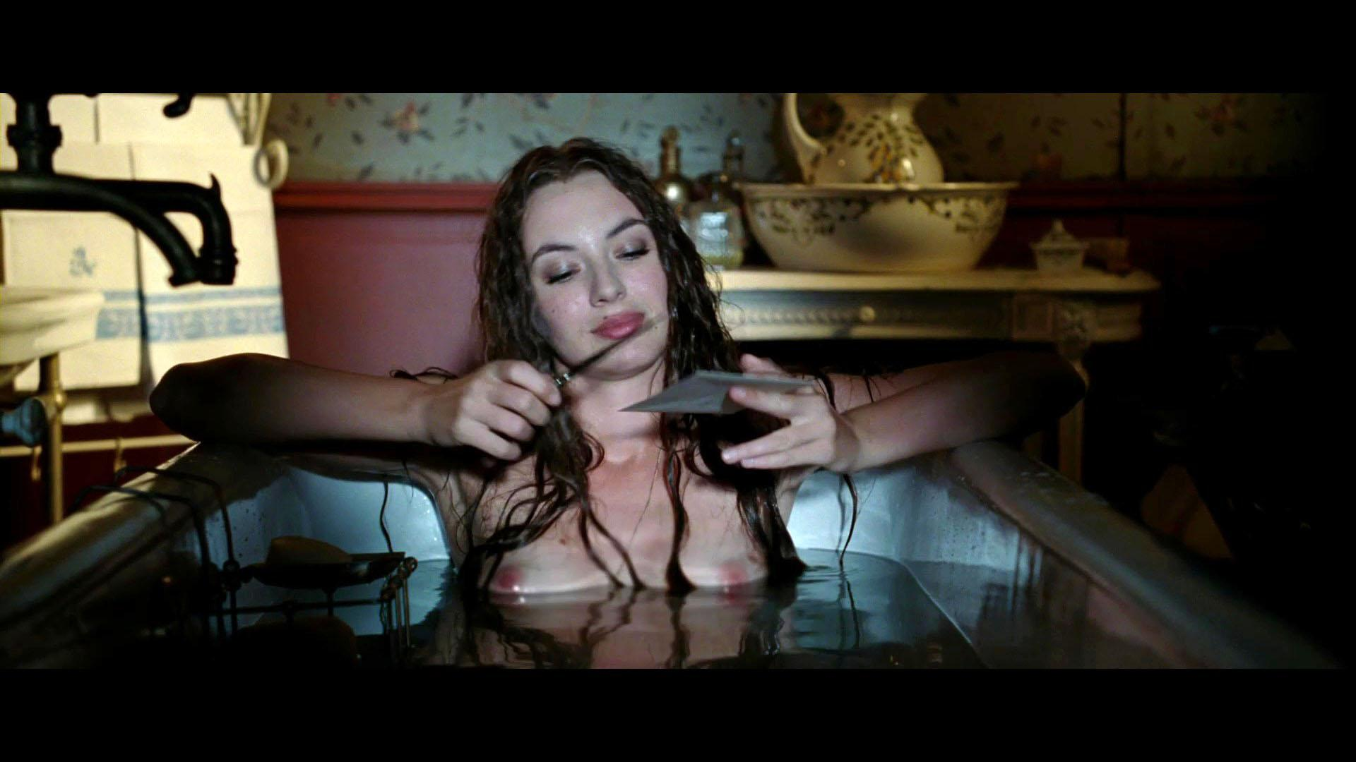 Louise Bourgoin destacadas 1