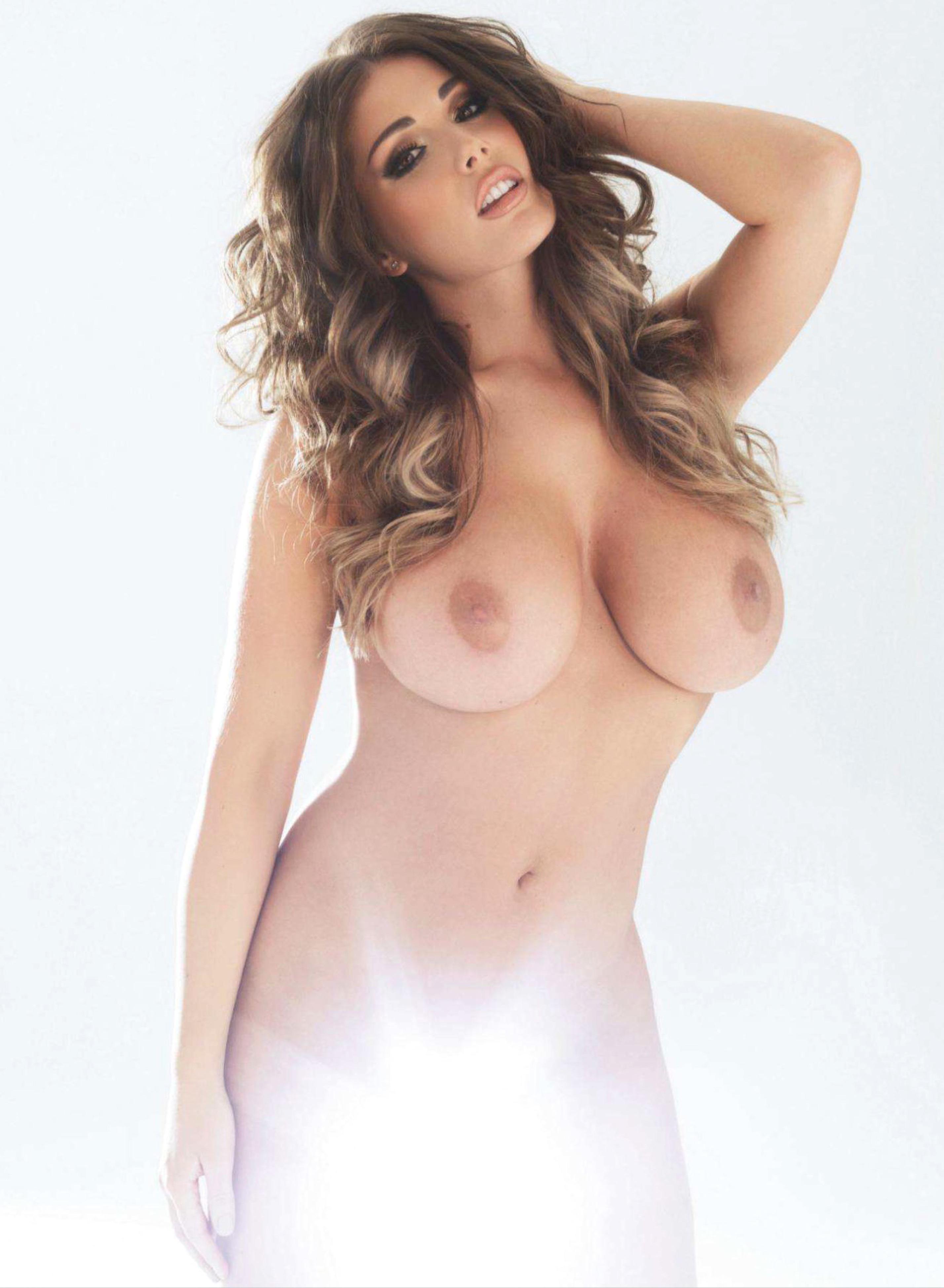 Lucy Pinder vídeos porno famosas 1