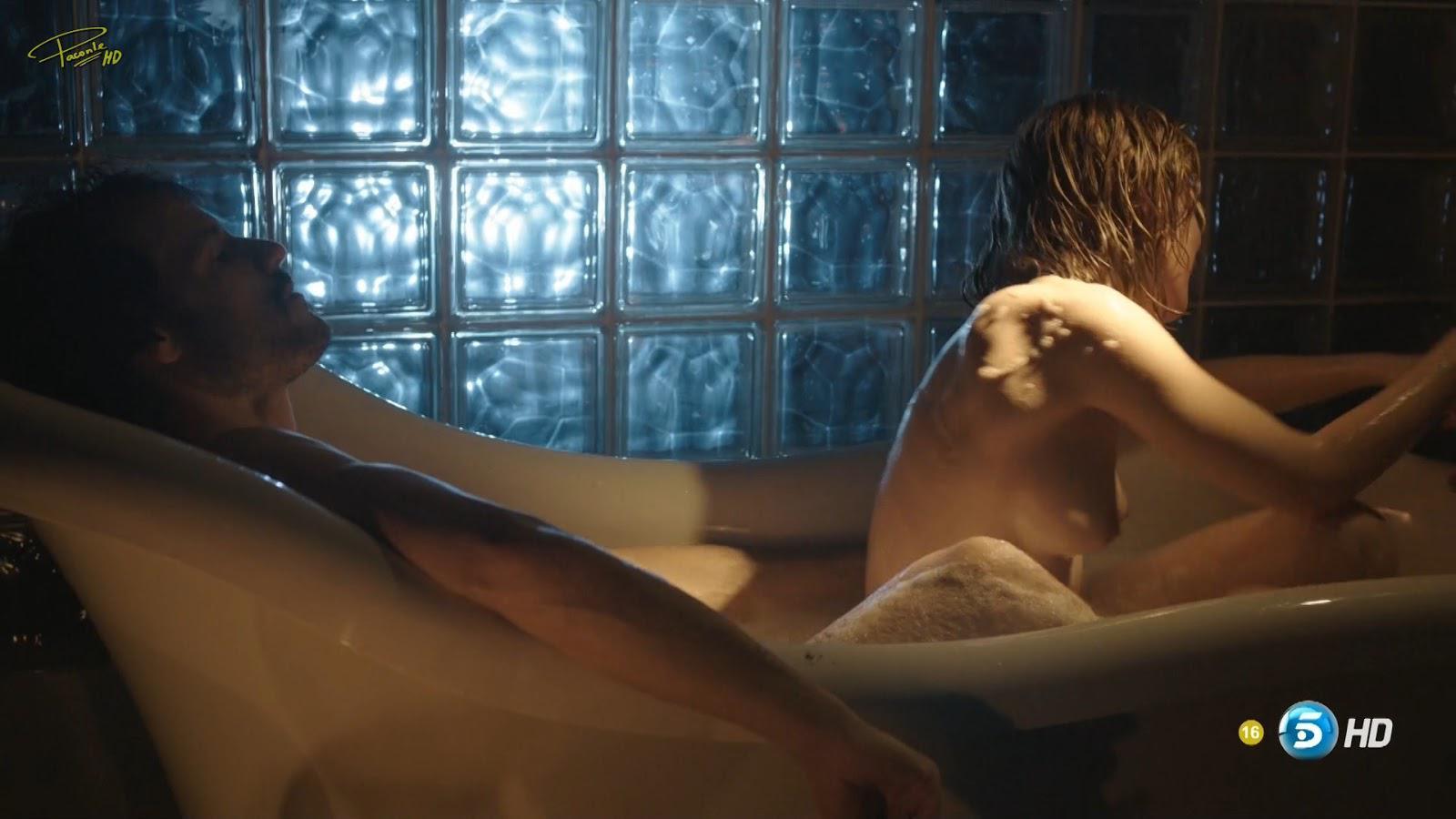 Maria Valverde desnuda follando
