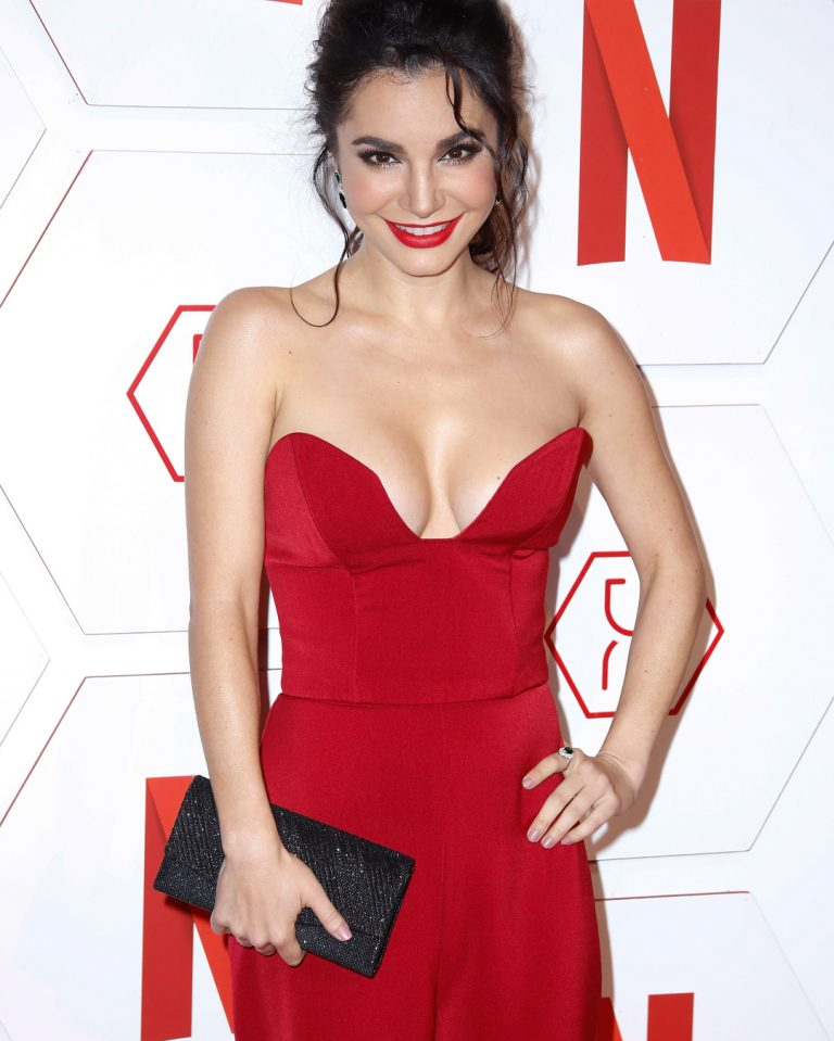 Martha Higareda follan