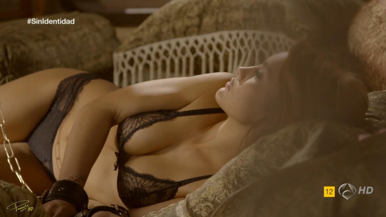Megan Montaner chatte nue 1