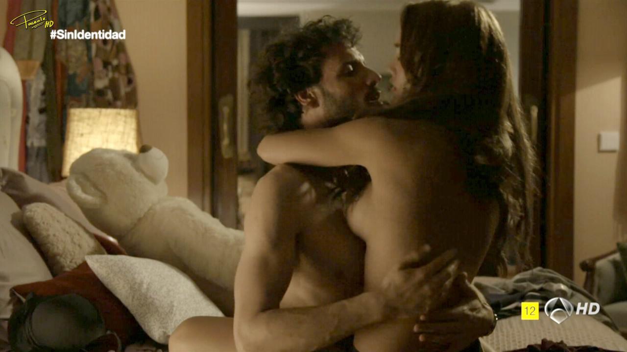 Megan Montaner nue non censurée
