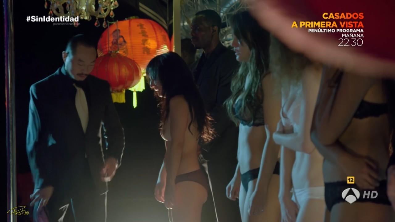 Megan Montaner non censurée