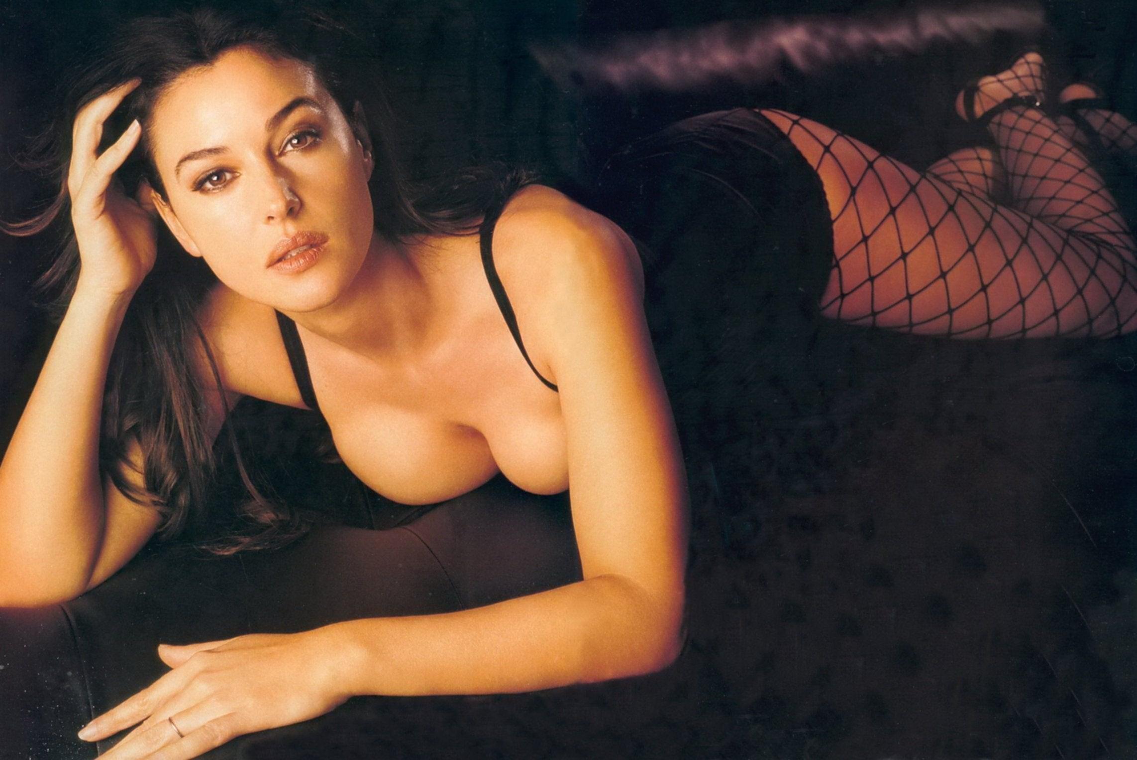 Monica Bellucci delante 1