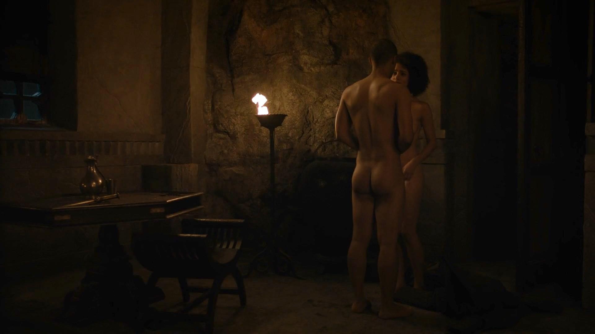 Nathalie Emmanuel desnudas