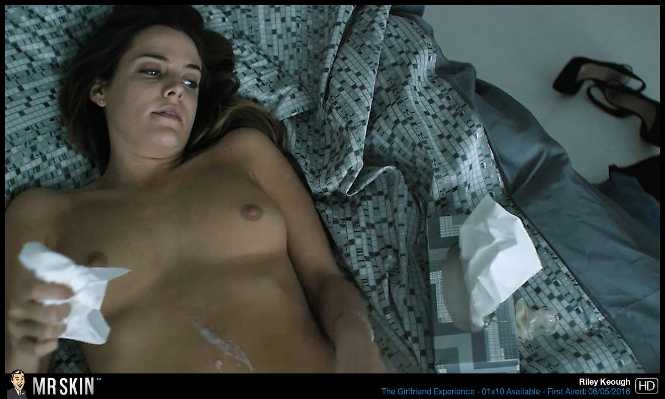 Riley Keough sexo anal