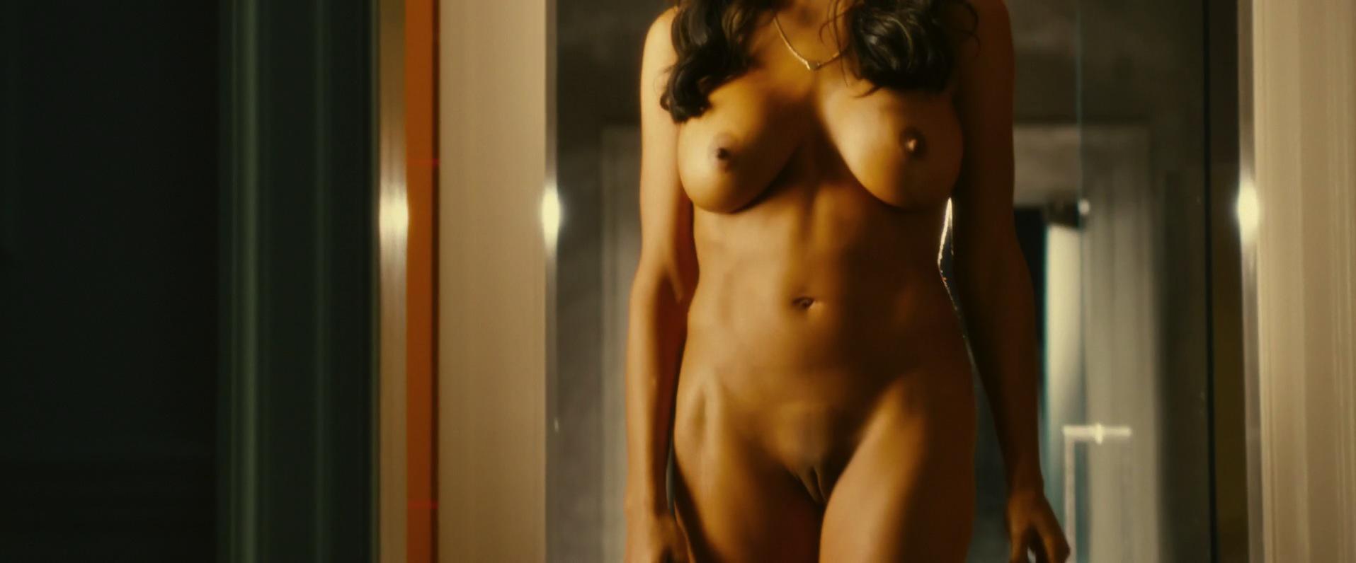 Rosario Dawson pillada desnuda