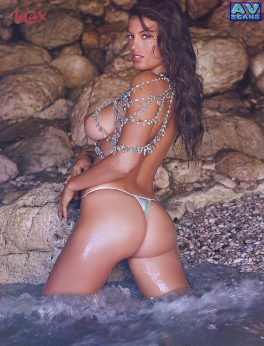 Sara Tommasi desnuda película
