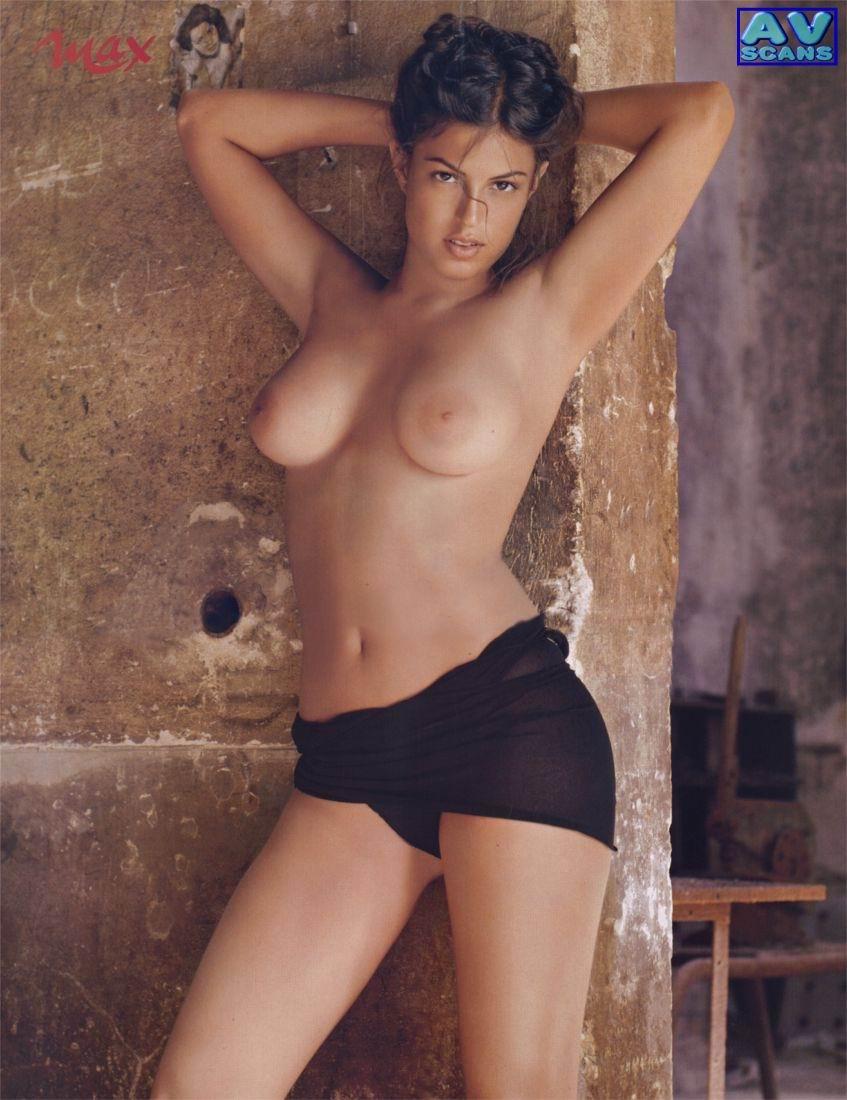 Sara Tommasi lesbianas 2