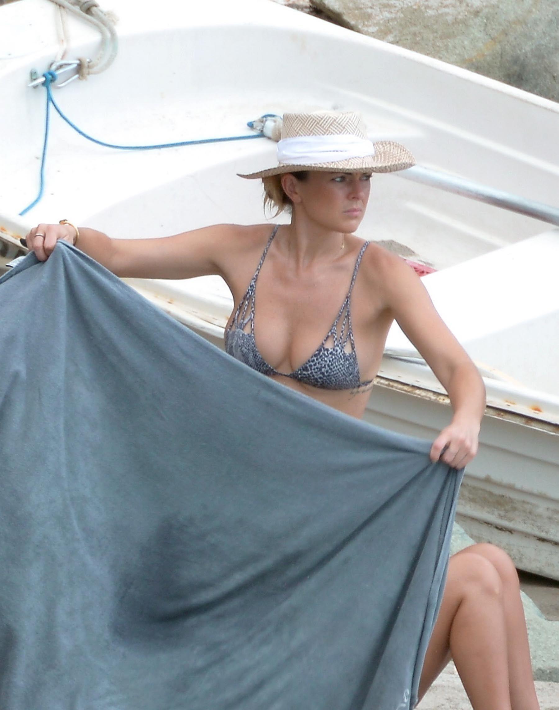 Las Fotos De Serinda Swan Al Desnudo