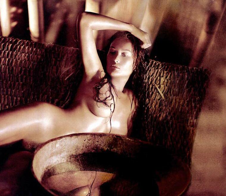 Asu Actriz Tia Carrere Desnuda Fotos Y Vídeos