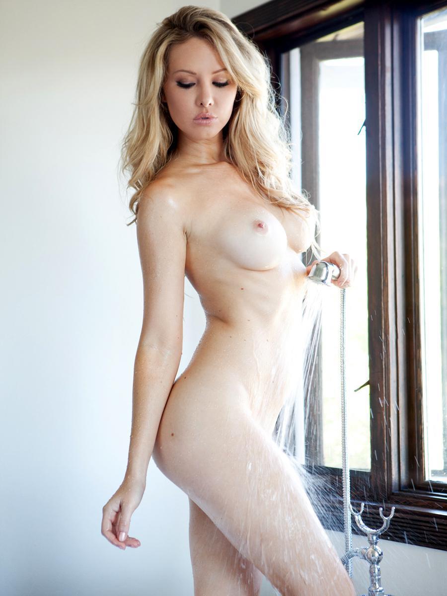 Tiffany Toth vídeos 1
