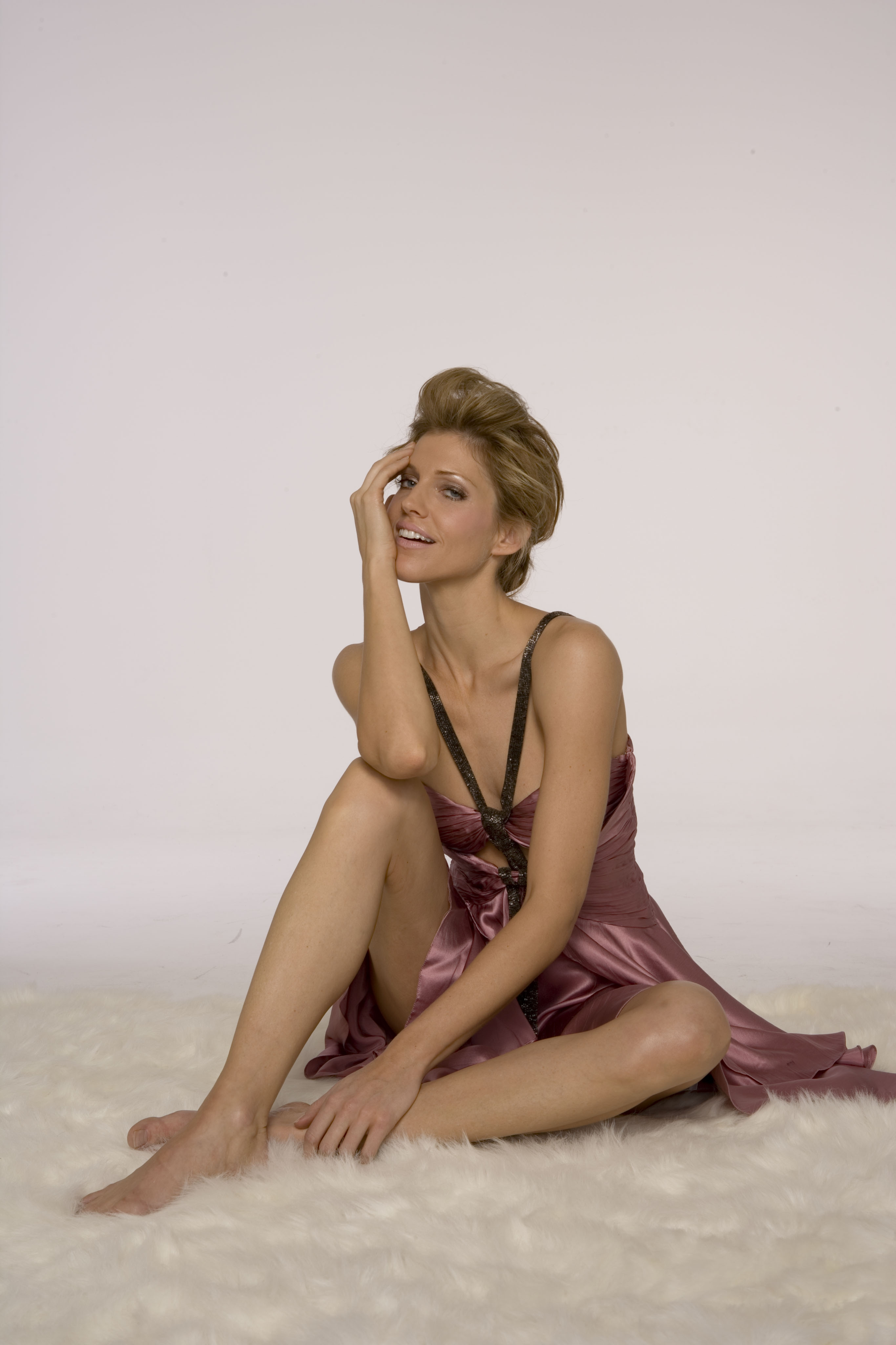 Tricia Helfer desnudas 1