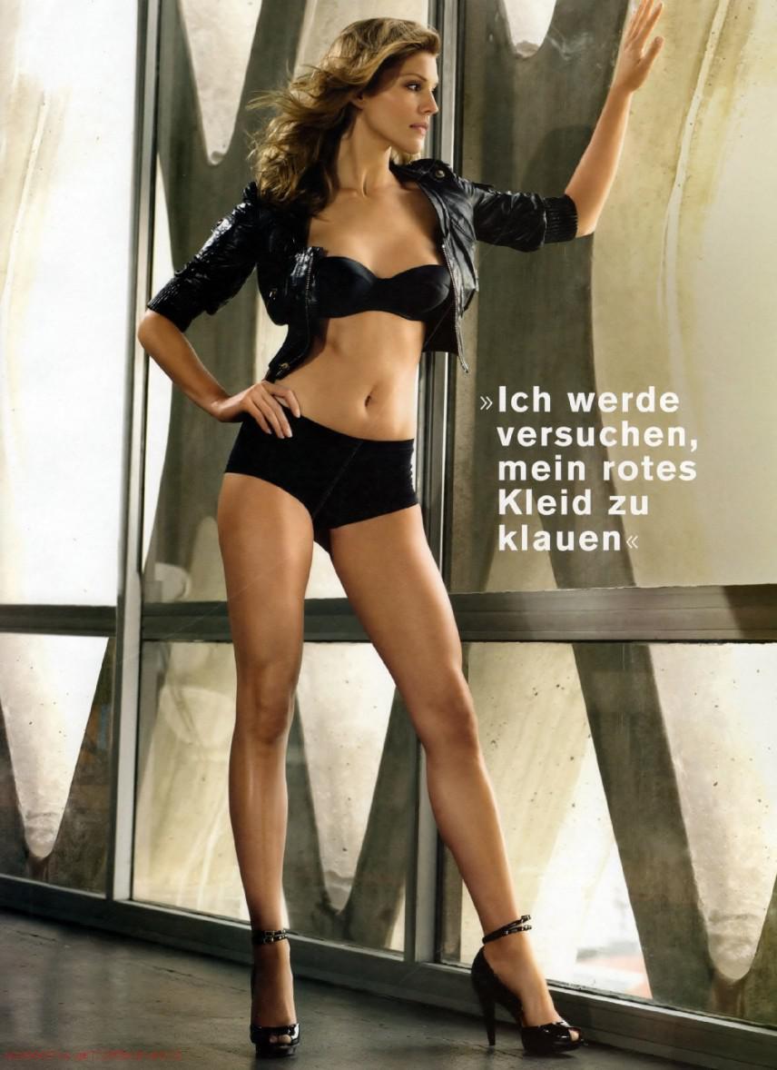 Tricia Helfer imagenes desnuda 1