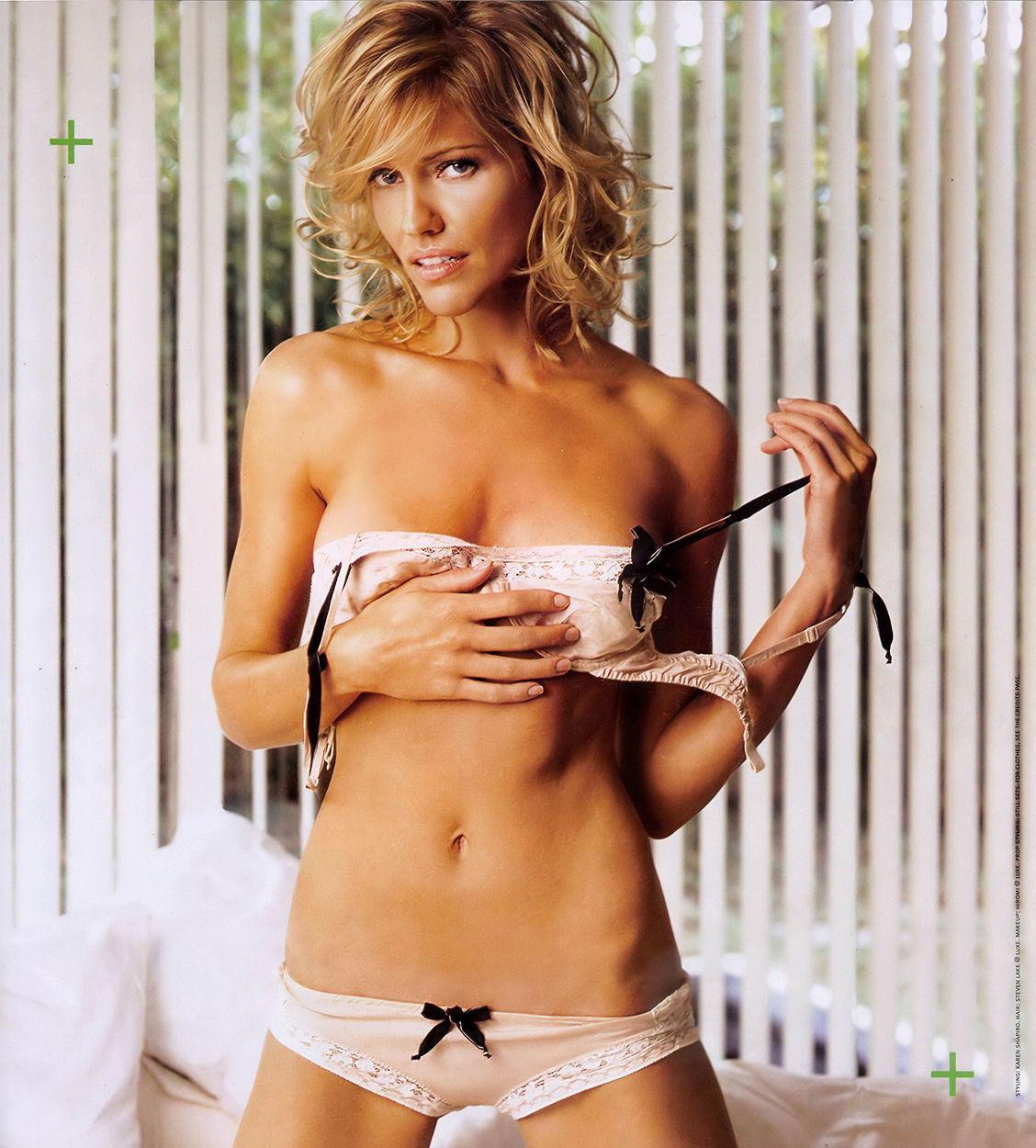 Tricia Helfer sin ropa 1