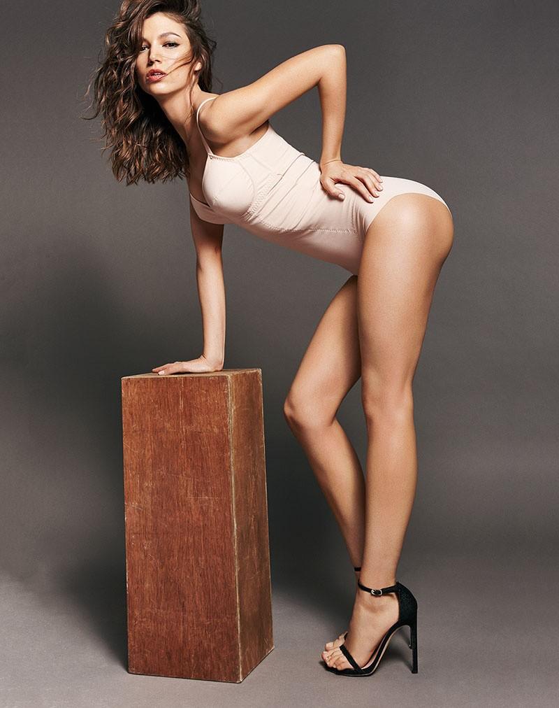 Úrsula Corberó desnuda coño
