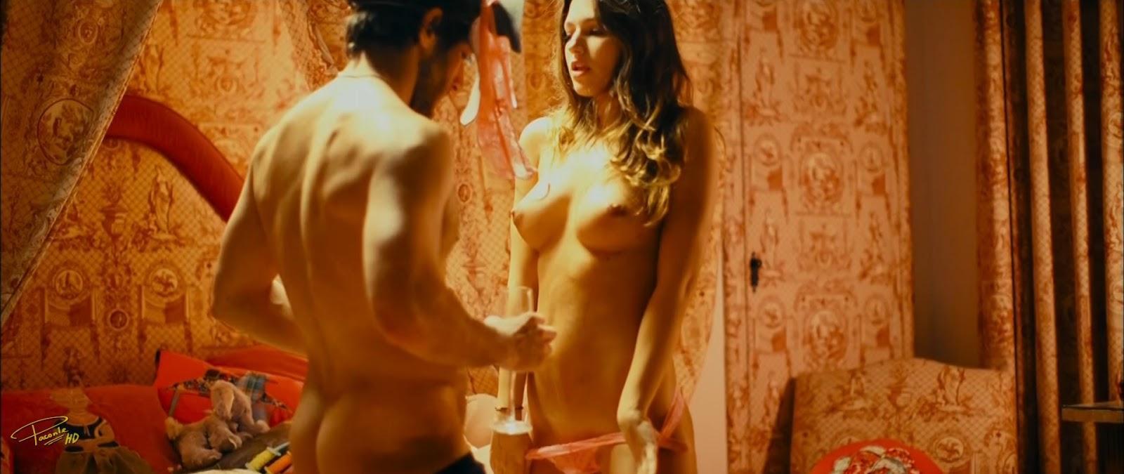 Úrsula Corberó desnudas