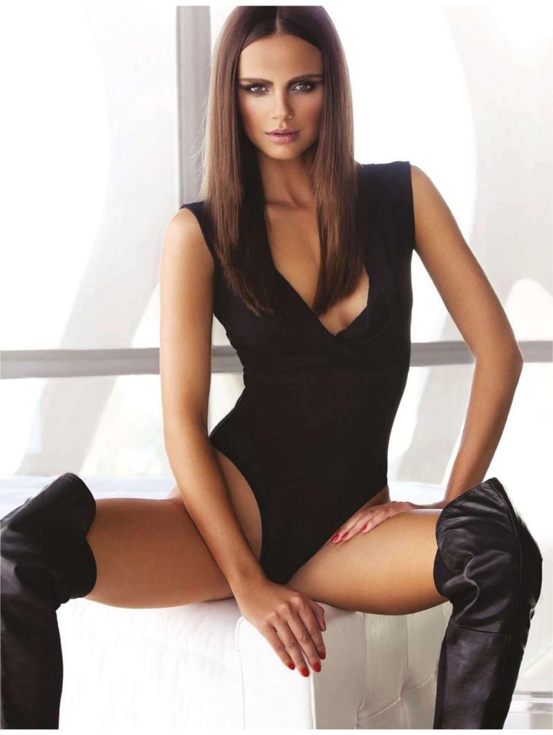 Xenia Deli desnuda coño